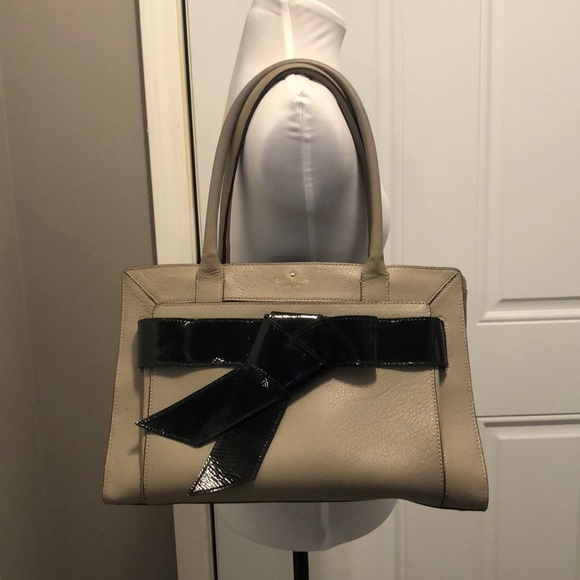 Kate Spade - Putty Leather w/ Patent Leather Bow